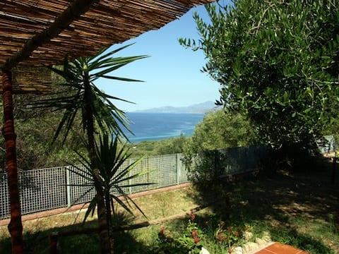 Casetta panoramica a Palinuro