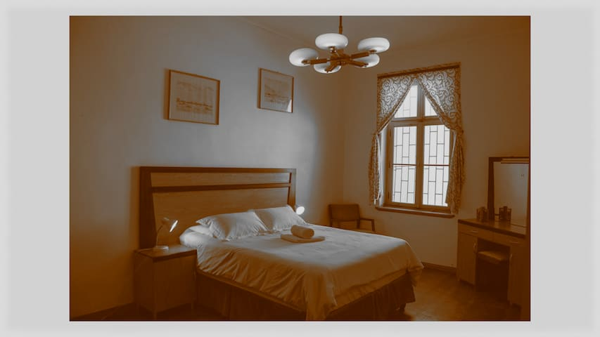 Spacious Self Catering Flat in Historical Building