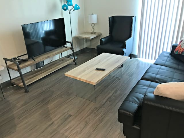 1 Bedroom Furnished Suite in Jackson St Seattle