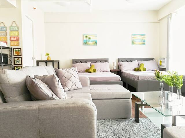 LA SERENE Manila Cozy Homes (Spacious Family Room)