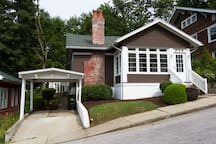 Enjoy your stay in 'Meet Virginia,' a quaint, newly remodeled bungalow in the Historic French Lick.