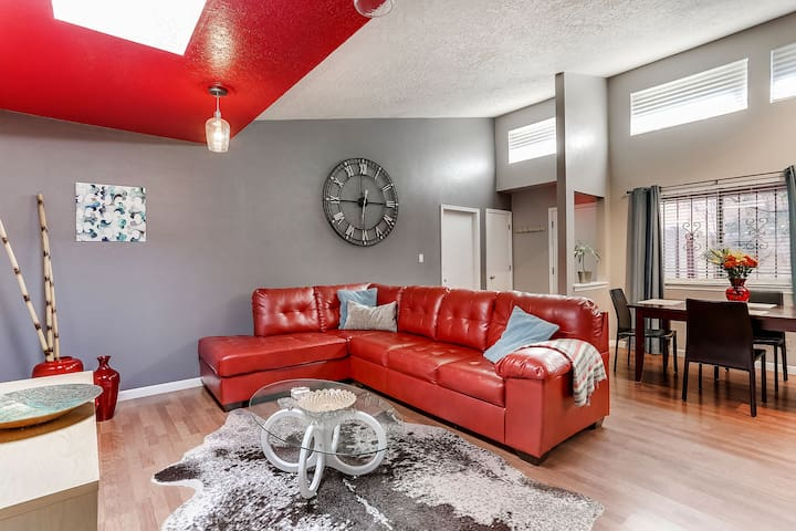 Private Newly-Renovated Foothills Home