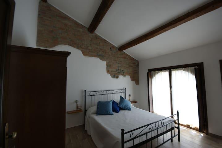 Antico Pioppo, Camera Lago delle Rose - Sale - ที่พักพร้อมอาหารเช้า
