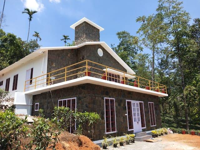 Semni Escape Plantation Bungalow Vagamon/Elappara