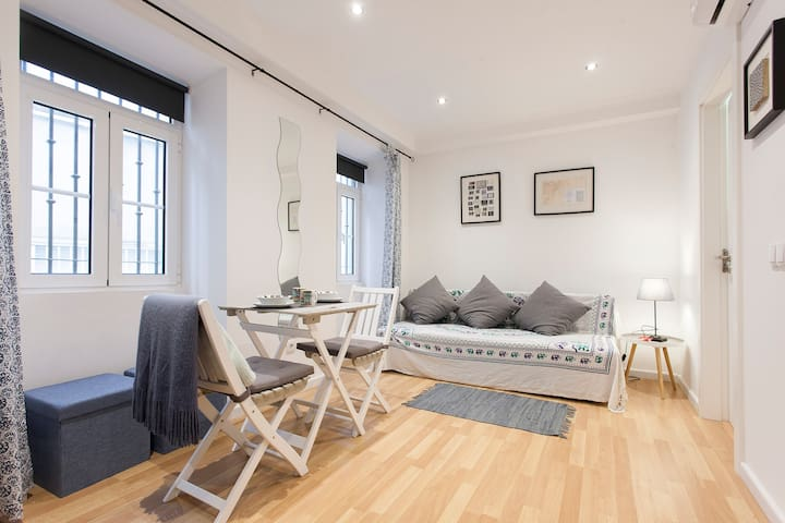 Flat for 2 in Historic Lisbon - Lisboa - Huoneisto