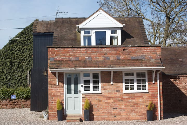 Country Cottage - walking distance of Bridgnorth