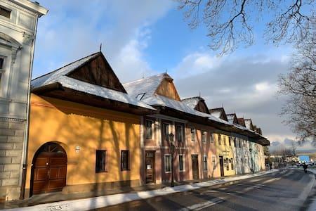 dom v starom kráľovskom meste