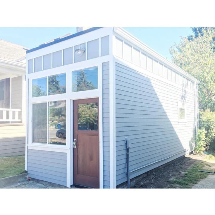 """Tiny Home"" in the heart of Green Lake/Phinney"