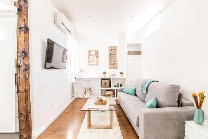Chic & Stylish 1BR Apartment | CENTRE
