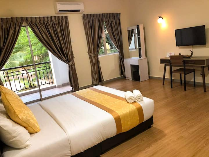 Desaru Seaview | WiFi | 2-3pax | WaterPark | BBQ