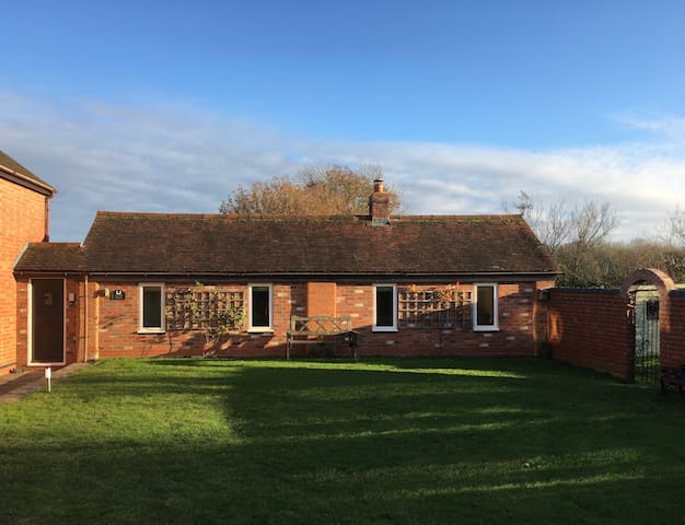 Delightful rural one bed, self contained annexe