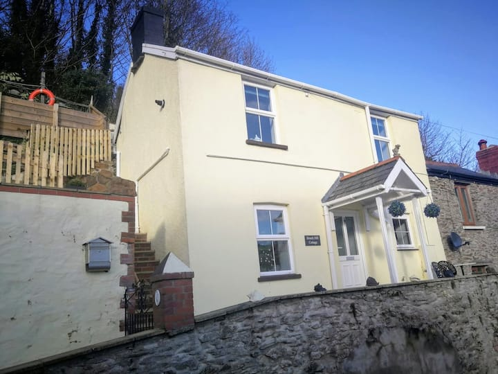 Cosy Seaside Cottage-4 mins to Beach:Country views