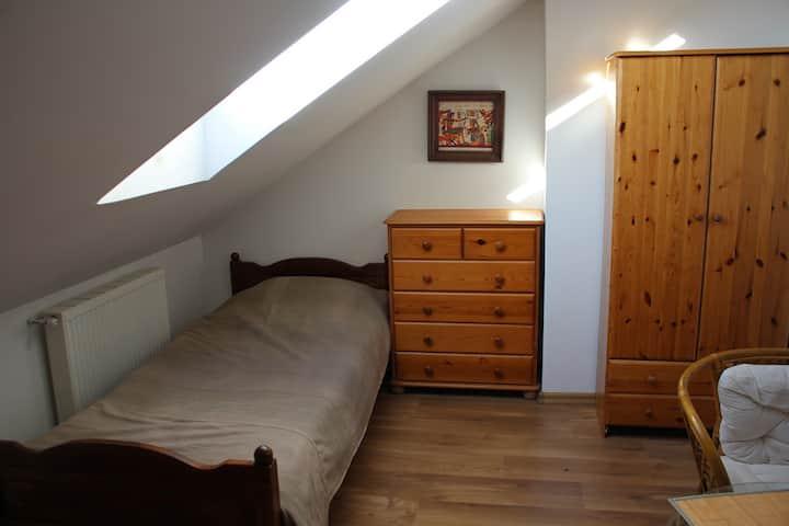 3. osobowy przytulny pokój w zacisznej okolicy!