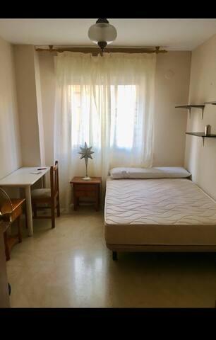 habitación privada en piso amplio y luminoso