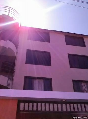 Nice family apartment 10 min from the airport - La Perla - Apartment