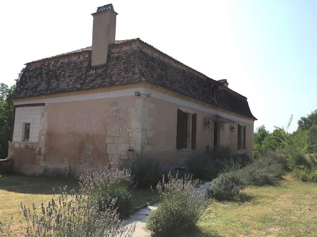 Stunning Perigordine house. - Saint-Front-de-Pradoux - Aamiaismajoitus