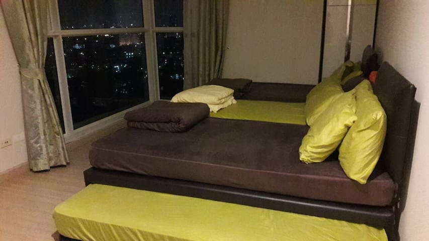 1Bedr 3persons  free wifi near BTS/Pier,River view