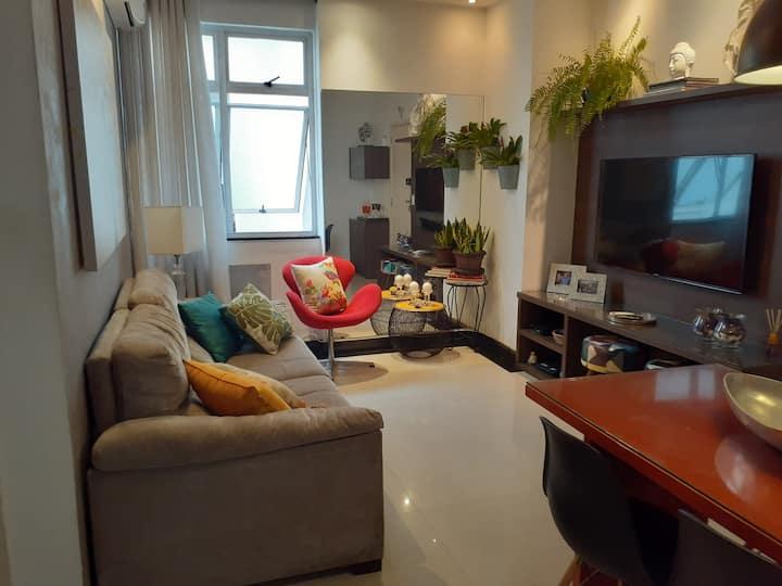 Apartamento de alto padrão no coração de Ipanema.