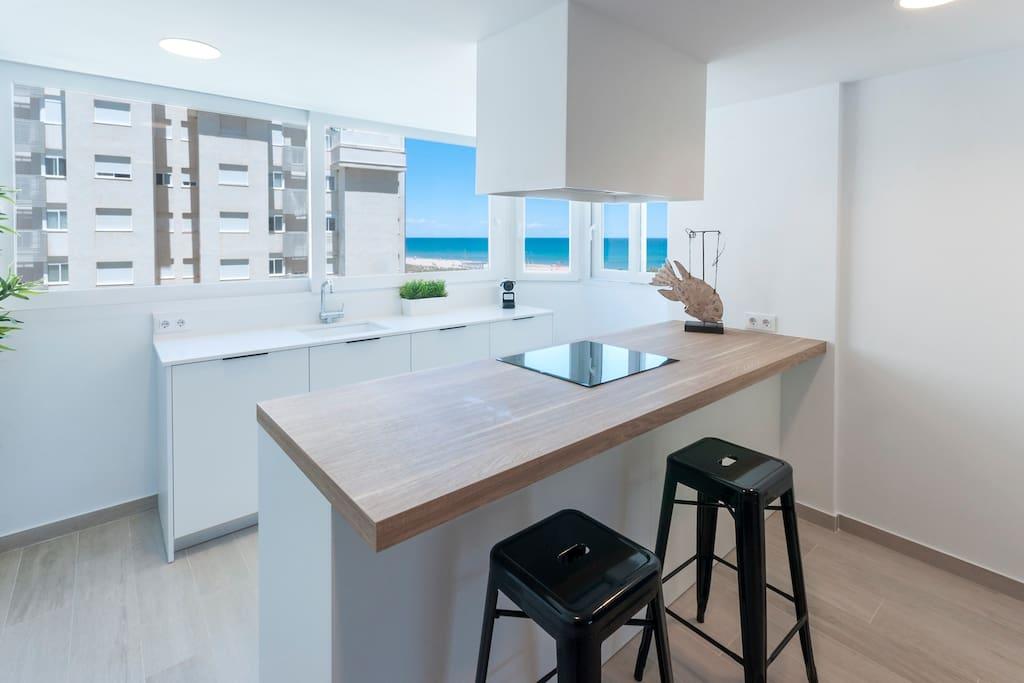 Cocina de diseño con isla central