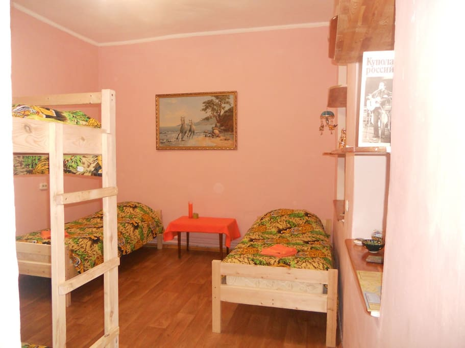 №1 - 4-bed dormitory room, 16 m2 (2 single beds, 1 bunk bed
