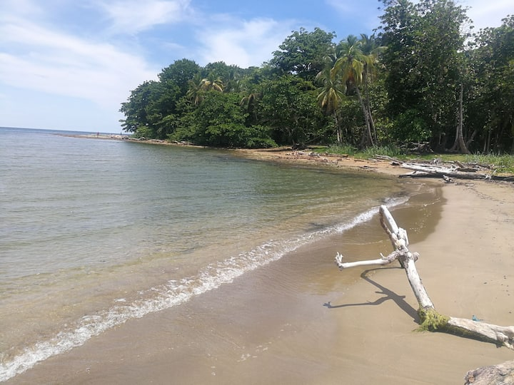 PORTOBELO BEACH CABIN