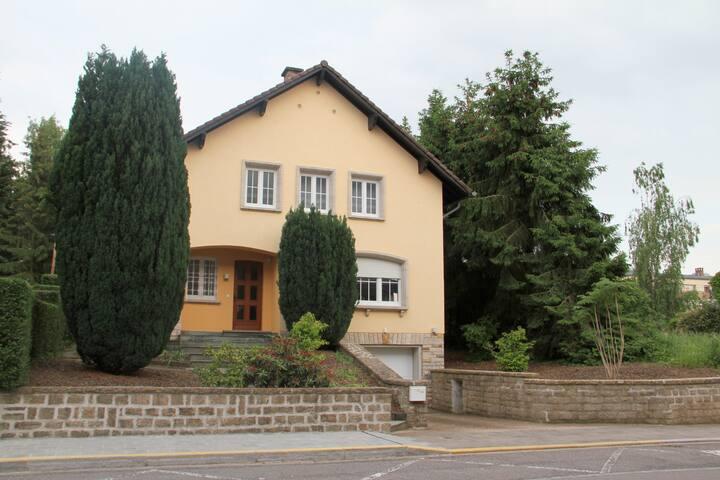 Stadtvilla - Luxembourg - Casa