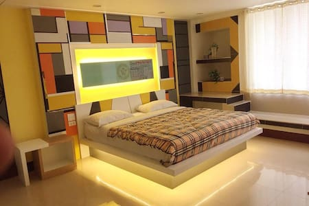 Win Hotel Single bed Room 2