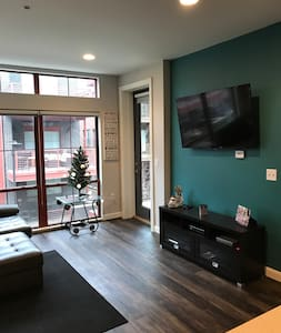 Luxury loft- Short North- Parking Included - Columbus