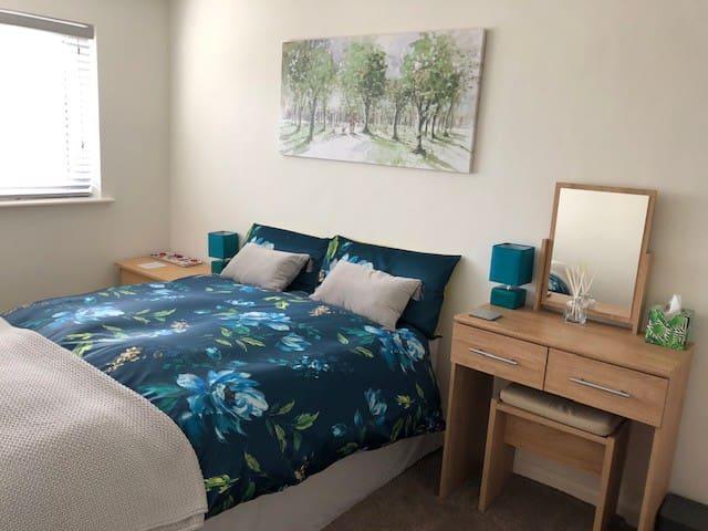 Spacious double bedroom in West Chippenham