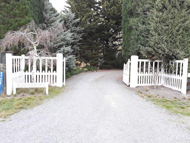 Wedding, or Rural Retreat. 12 guests