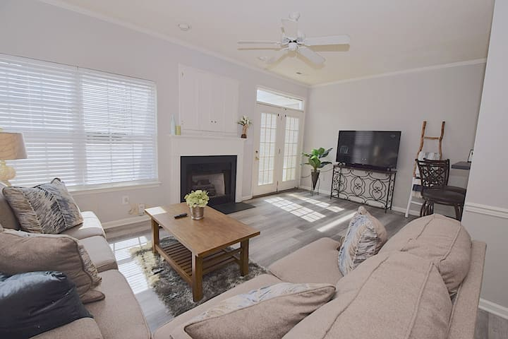 ♥️Coastal Getaway♥️~Large Clean-n-Cozy 3Bdrm Home