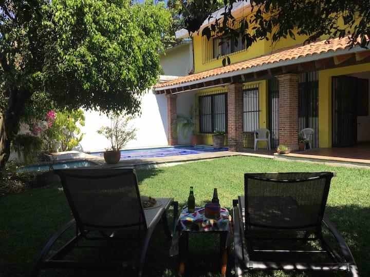 Habitación y baño priv aire ac tv alberca c/calef