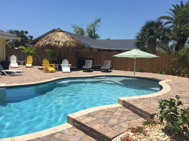 Gorgeous -Cocoa Beachside House W/Heated Pool!