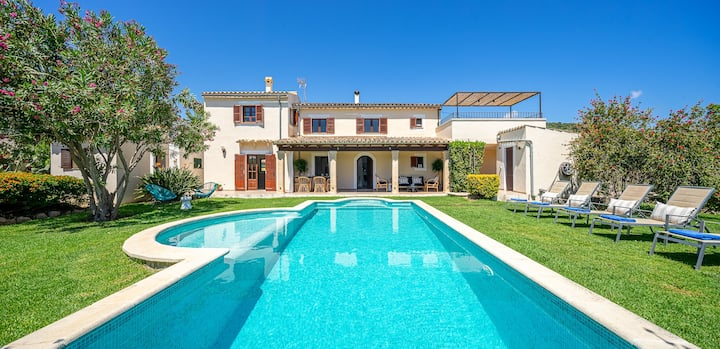 Villa with private pool 2 km from Pollensa town