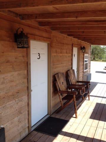 Cabin Rentals Duplex 2 Tuleta, TX (Bee County)