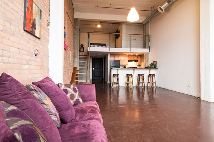 Comfortable Large 2 Level Loft - Detroit - Çatı Katı