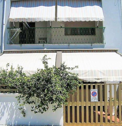 LIVIA MARIA - San Foca