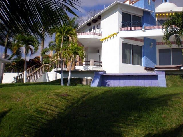 Hermosa casa en Huatulco, residencial Conejos.