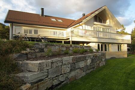 Nice and light apartment in the center of Hemsedal