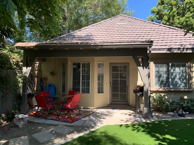 Mulberry House..convenient to San Diego and Mexico