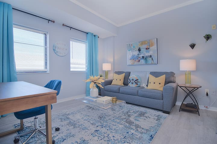 Modern-Spacious- Secured Condo in uptown !!