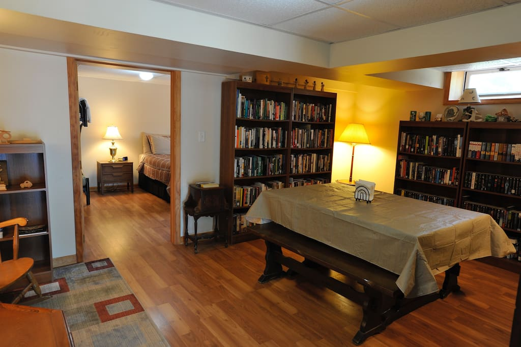 Dining room/library,