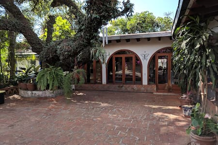 Colonial Villa with Pool in the Center of Town