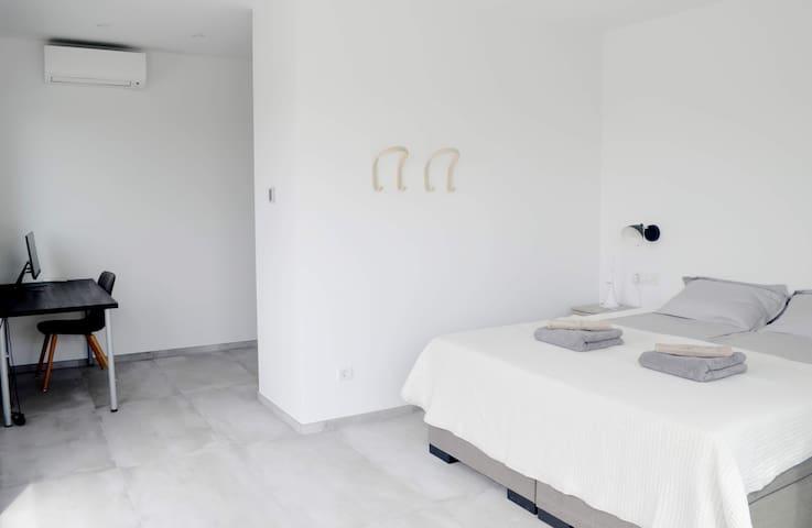 Dormitorio 3 con acceso a la terraza superior y baño privado