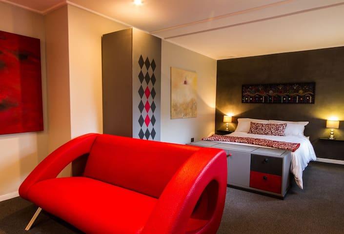 Bespoke cottage in trendy Melville - Johannesburg - Pis
