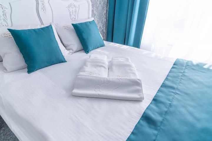 Premium - Bed & Breakfast No.6