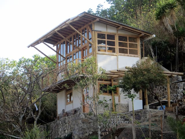 2 Story Bamboo, Cozy Home