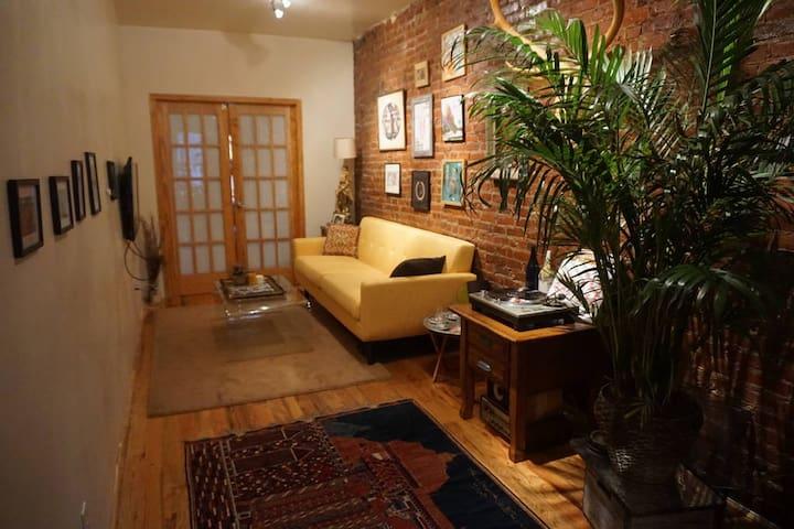 Cozy room in trendy Greenpoint