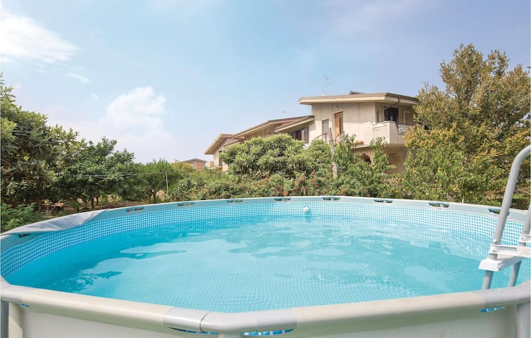 Holiday apartment with 2 bedrooms on 70m² in Ricadi