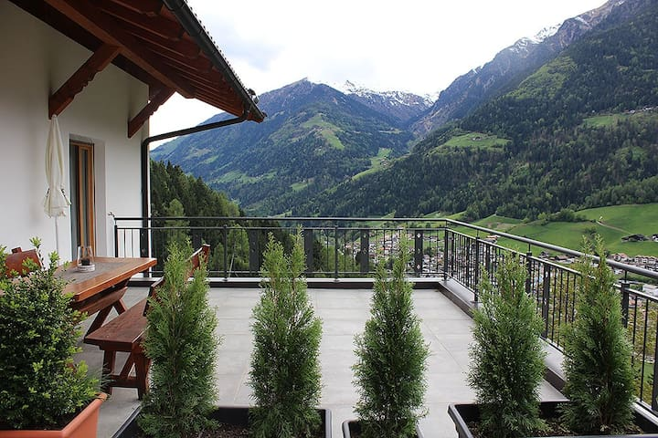 "Modern Apartment ""Bergblick"" with Terrace, Garden & WLAN; Parking Available, One Dog Allowed"